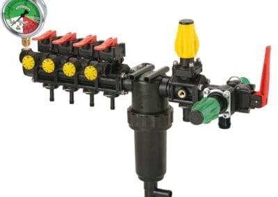 Mando manual con 3 o 5 tramos de pulverización y retornos calibrados