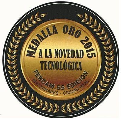 """MEDALLA DE ORO 2015 a la NOVEDAD TECNOLÓGICA, reconocimiento al último y novedoso diseño del """"Recolector mixto D-90"""""""